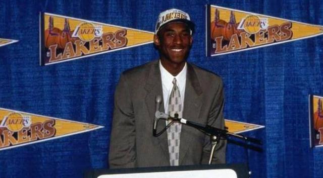 科比宣布參加選秀24周年,一個將天賦在NBA大放異彩的傳奇