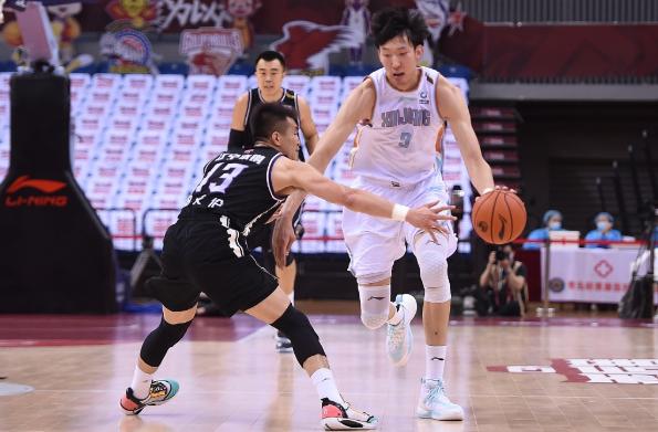 2019-20赛季CBA半决赛新疆首次失利,伤病满员的新疆队有话要说