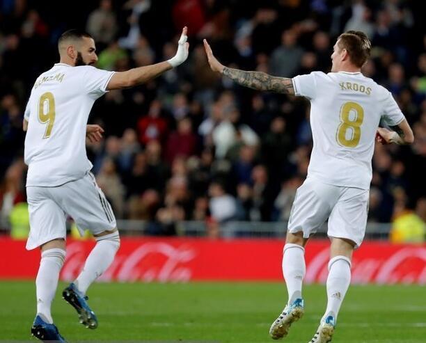 克洛斯完成破门 拉莫斯点球夺分 皇马主场2-2平塞