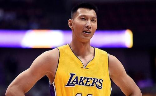 庆幸的是现在中国篮球有易建联,不幸的是中国