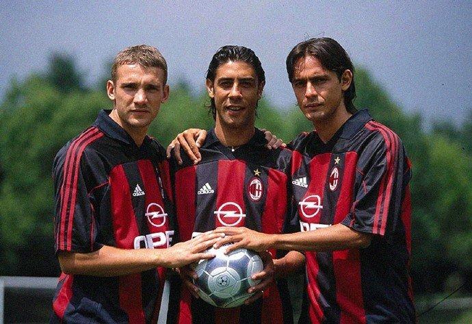 AC米兰队史今天:2002年意甲收官战3比