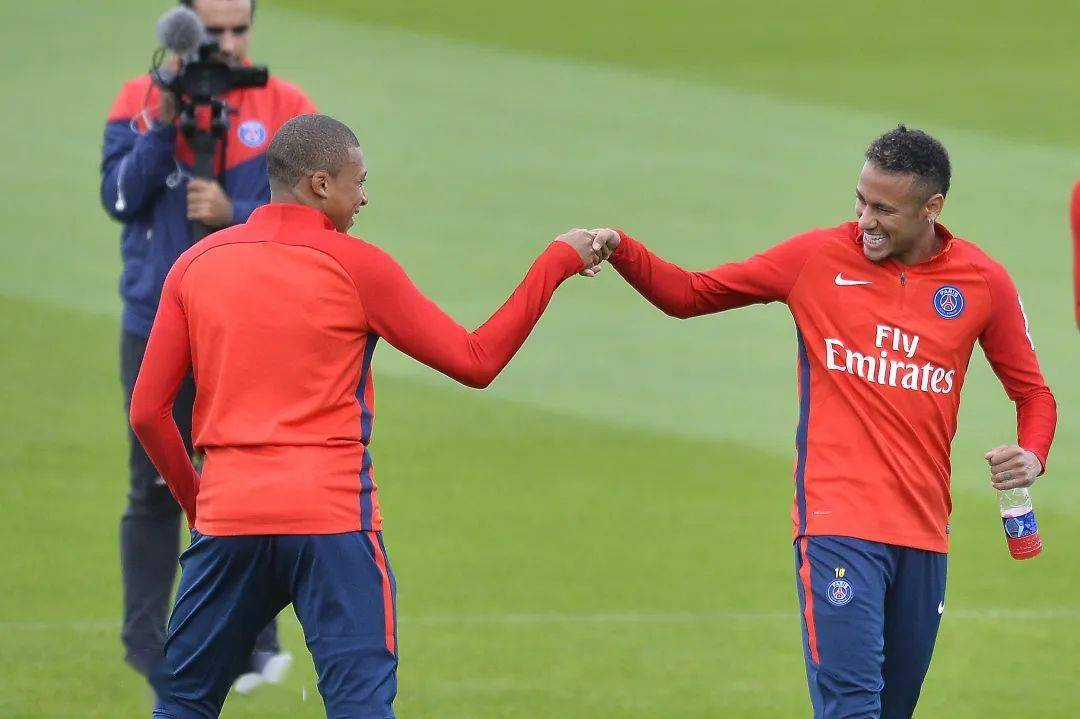 再出转折?巴黎球员直言姆巴佩内马尔仍然会留