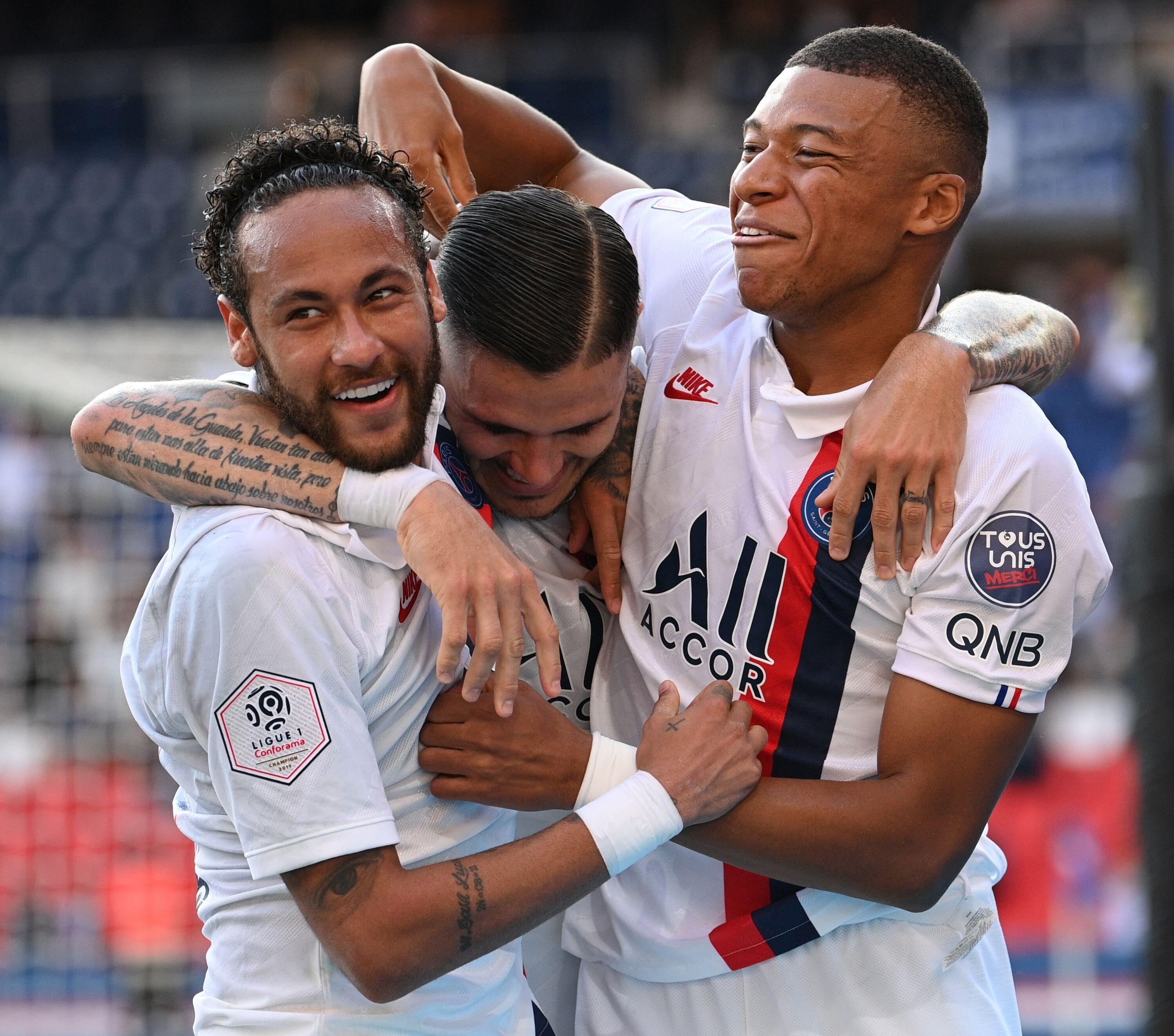 内马尔神级点球致敬梅西,大巴黎7-0轻松获胜