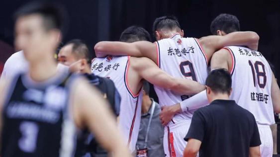 易建联会不会退役,退役了谁来撑起中国男篮
