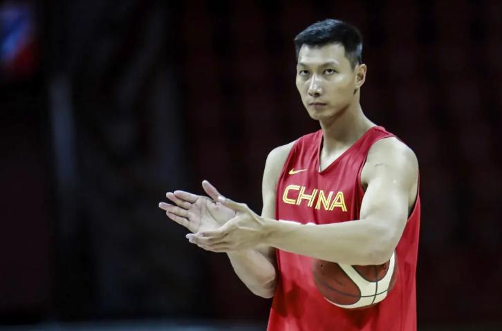 易建联退役后中国男篮谁来当领袖
