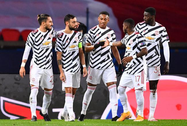 欧冠小组赛曼联对阵巴黎圣日耳曼战