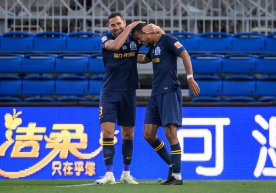 中超联赛第二阶段第16轮广州富力对阵青岛黄海